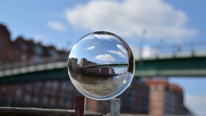 Moderne Kunst mitten im Fluss - Weserburg